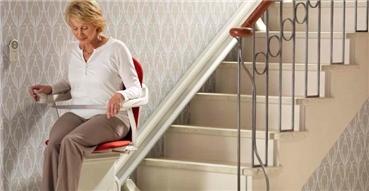 如何保养别墅楼梯座椅电梯